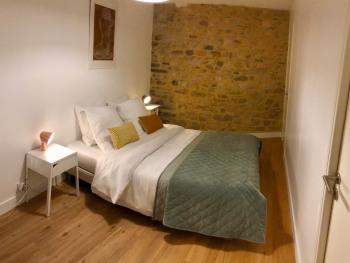 Appartement-Confort-Salle de bain et douche-Vue sur Port-1er étage