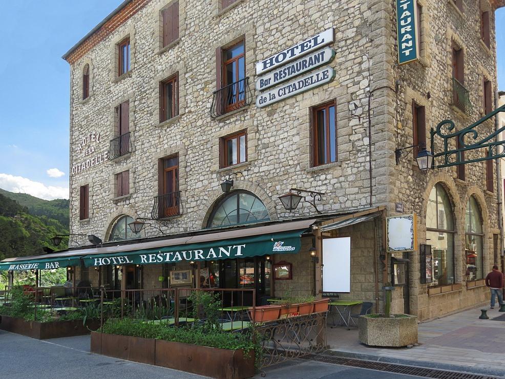 Double-Standard-Douche-Vue sur Rue - Tarif de base