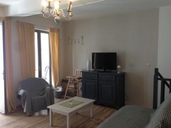 Appartement-Salle de bain-Vue sur Rue-2 Chambres 1er/2ème étage
