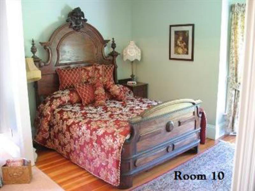 Quad room-Ensuite-Deluxe-Garden View-Room 10
