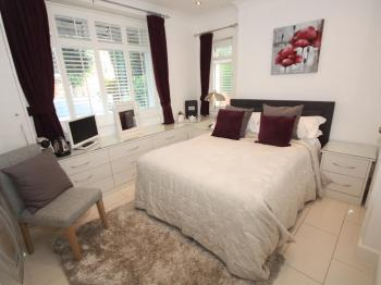 Double room-Basic-Ensuite-GroundFloor-Small Ensuite