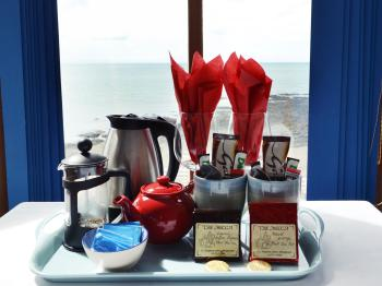 Tea and Coffee Facilities with hot chocolate. Local Organic Coffee and Blood Orange Fruit Pot tea.
