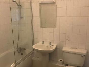 Room 2 King/ Twin Ensuite