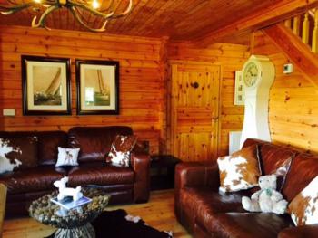 Family room-Shared Bathroom-Lakeside Fin Lodge