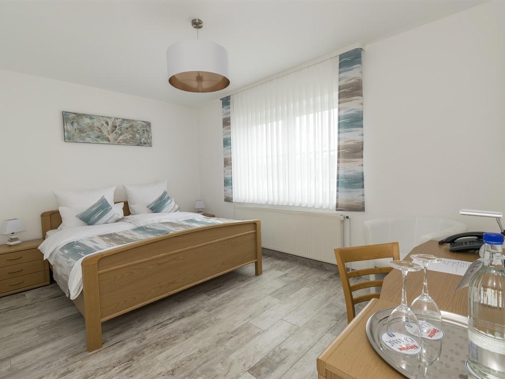 Doppelzimmer-Ensuite Dusche-Seeblick-mit Mini Küche - Basistarif
