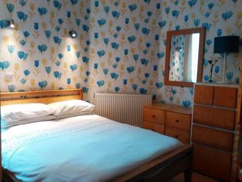 Refitted Bedroom Garden Lodge  Double + single