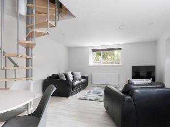 Max & Ben's Bistro Apartments - Lounge