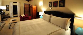 Porter King Room
