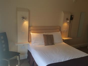 Double room-Standard-Ensuite with Bath-Street View-Room 7 - Base Rate