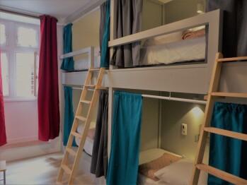 Lit superposé dans un dortoir de 4 personnes