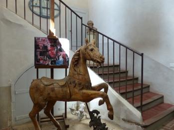 Château d'Ortaffa - Hall menant aux chambres (4)