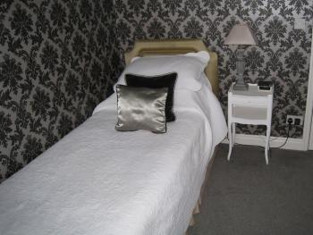 Single room-Ensuite with Shower-Room 4 - Single room-Ensuite with Shower-Room 4