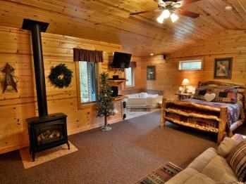 Cottage Jacuzzi Suite