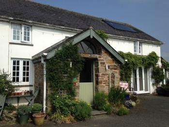 Rhedyn Guest House - A warm welcome to rhedyn