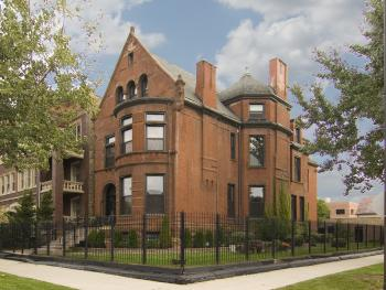 Front & Side View of Restored,1893 Vintage Home on Corner w/large backyard