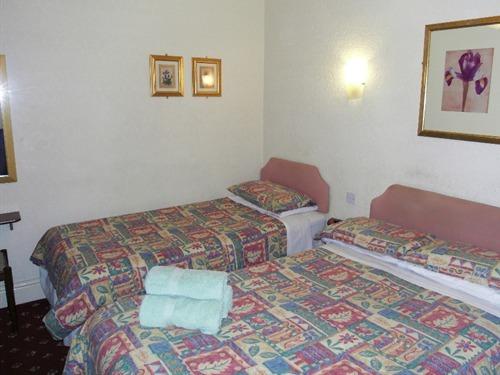 Triple Room (en-suite)