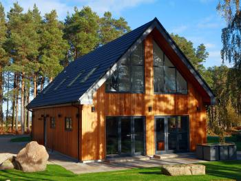 Newlands Lodges - Cedar Exterior view