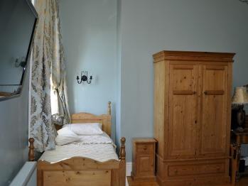 Single room-Standard-Ensuite - Base Rate