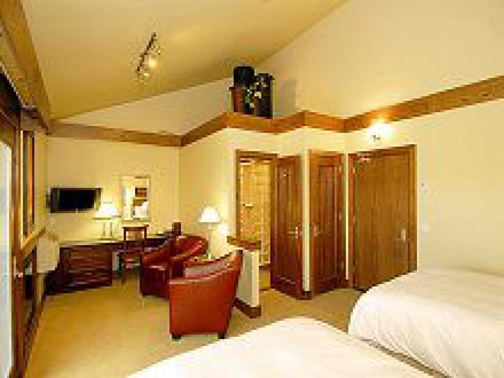 Deluxe Room-Quad room-Ensuite-Standard