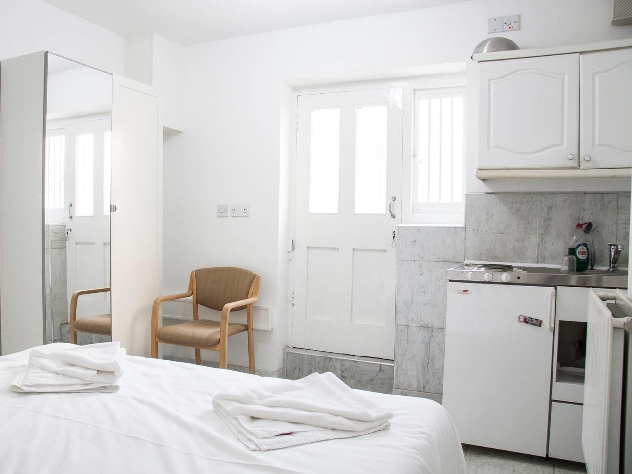 Apartment-Private Bathroom-Studio Flat 7