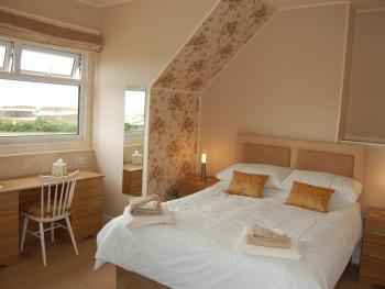 Double en-suite room with sea view