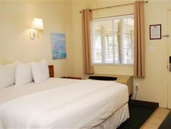 Double room-Ensuite-Standard-Hotel room 102 - small ki - Double room-Ensuite-Standard-Hotel room 102 - small ki