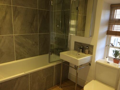 The Croft- Bathroom