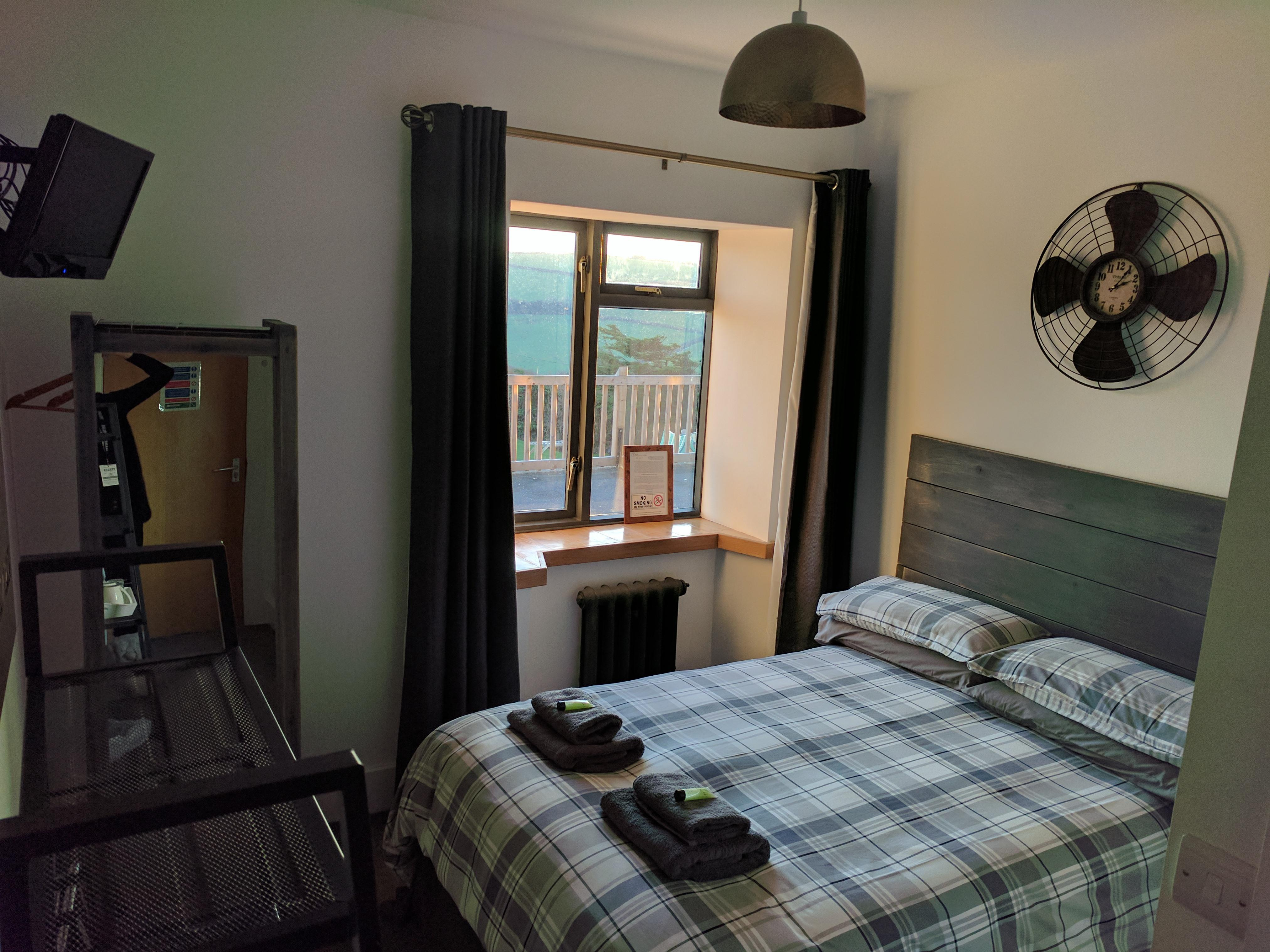 Double room-Standard-Ensuite with Shower-Garden View-Small - Non Refundable Rate with Breakfast