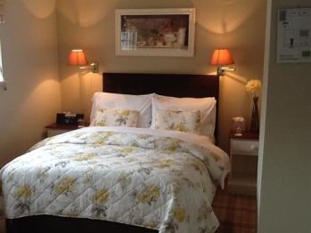 Family room-Suite-Ensuite