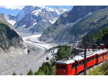 Glacier de la mer de glace et chemin de fer du Montenvers
