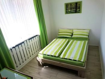 Doppelzimmer-Standard-Gemeinsames Badezimmer-Strassenblick-2BZGB