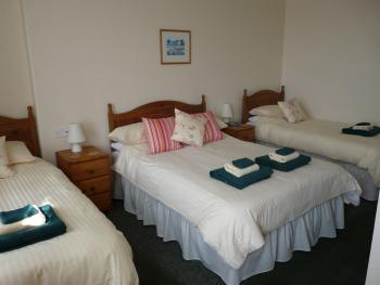 Family Ensuite - 2 Adults & 2 Children - Breakfast Included