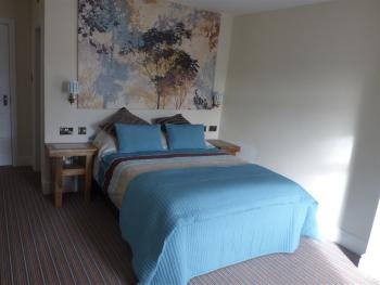 Wheldale Hotel - Large double ensuite room