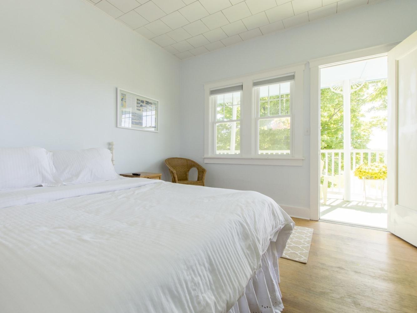 Beach House 1st Floor-Single room-Private Bathroom-Standard