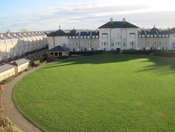CB1 Apartments - Communal Gardens
