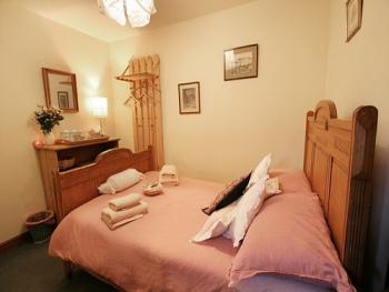 Double room-Budget-Ensuite-Small Double-Room 4 - Double room-Comfort-Ensuite-Small Double-Room 4