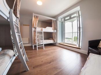 Bed-Shared Bathroom-Balcony-Dormitory  - Bed-Shared Bathroom-Balcony-Dormitory
