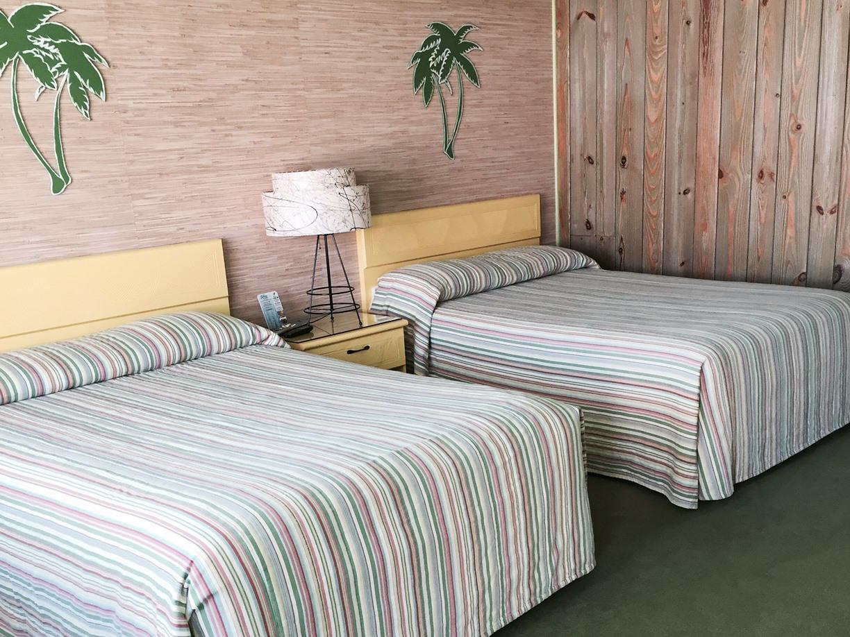 Double room-Private Bathroom-Type B - Two Double Beds