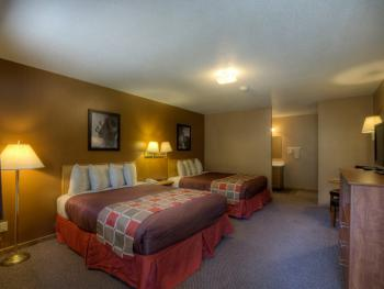 #17 Standard Motel-Quad room-Private Bathroom-Deluxe