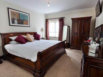 Deluxe King Double Room