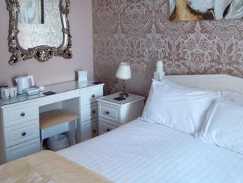 Double room Ensuite with private lounge.