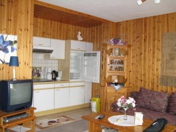Wohnung-Apartment-Eigenes Badezimmer-Balkon-Offene Küche - Wohnung-Apartment-Eigenes Badezimmer-Balkon-Offene Küche
