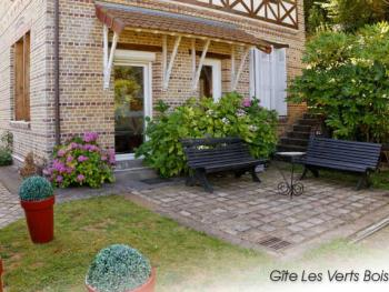 La Villa Vert Bois : une terrasse vue mer.