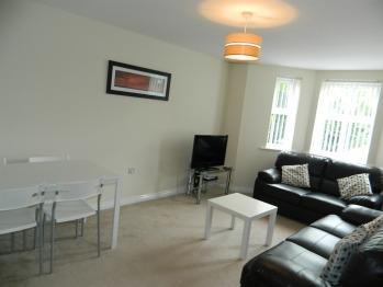 Apartment-Standard-Ensuite-9 Baird House