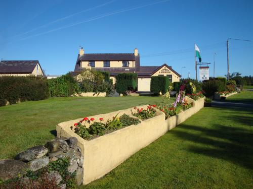 Groeslon Ty Mawr Tearooms/Restaurant B & B situated on the roundabout