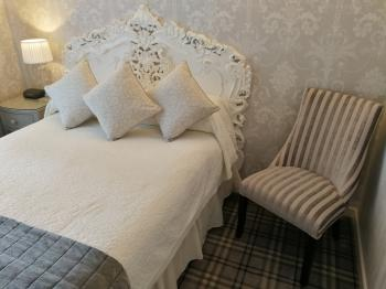 Double room-Basic-Ensuite-Small
