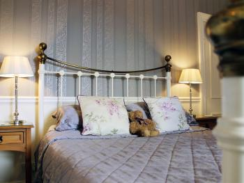 The calm Wisteria bedroom