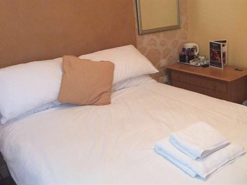 Double room-Ensuite with Shower-(Room 3)