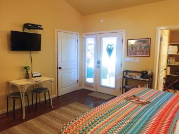 Juniper Room with flat screen TV & private entrance