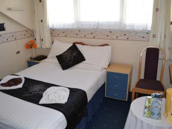 Double room-Standard-Ensuite with Shower-3rd Floor